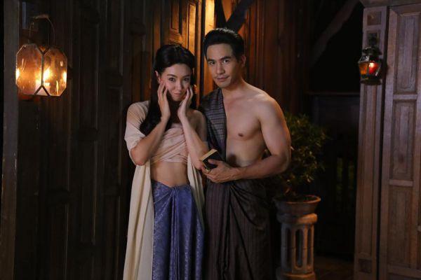 ban-xem-nguoc-dong-thoi-gian-de-yeu-anh-phim-thai-hot-nhat 16