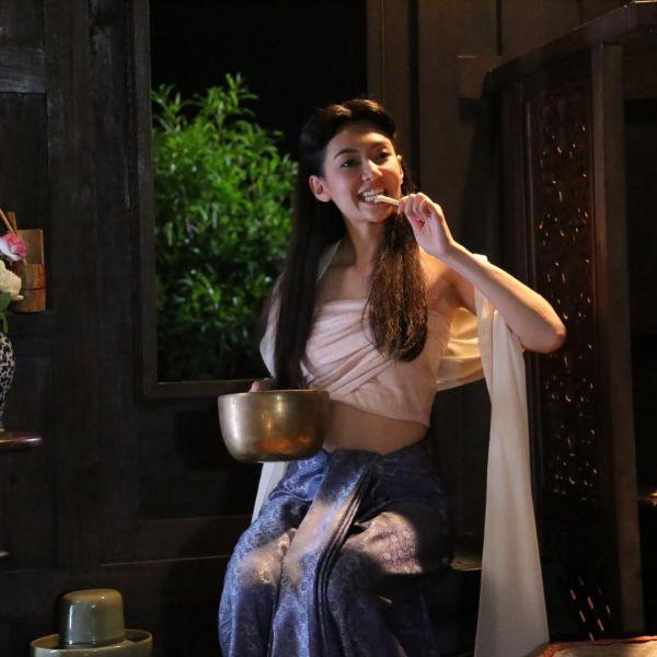 ban-xem-nguoc-dong-thoi-gian-de-yeu-anh-phim-thai-hot-nhat 17
