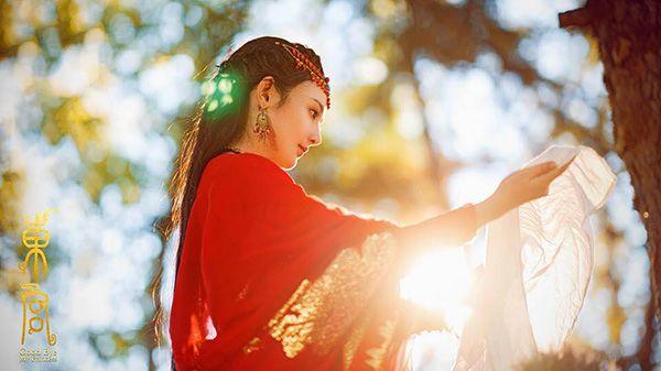 """Profile và phim của Trần Tinh Húc và Bành Tiểu Nhiễm trong """"Đông Cung""""3"""