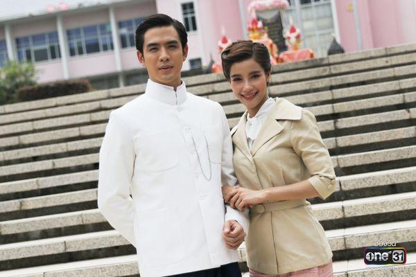 """Phim """"Ruk Laek Pop"""" do Film Thanapat và Vill Wannarot đóng chính 9"""