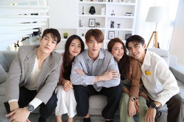 """Phim """"Praomook-Minh Châu Rực Rỡ"""" của Pon Nawasch và Bua Nalinthip 5"""