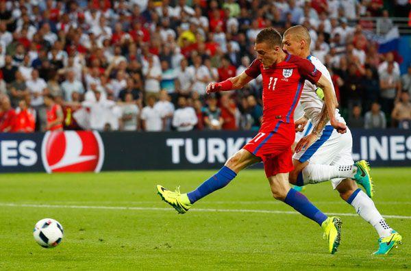 anh-0-0-slovakia-danh-ngam-ngui-mat-ngoi-dau-bang-b 2
